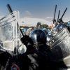 Протест срещу G7 в Лука, Италия – сблъсъци с полицията