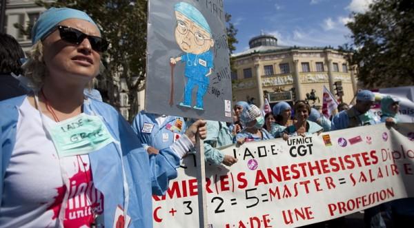 Франция отново блокирана от стачка срещу пенсионната реформа