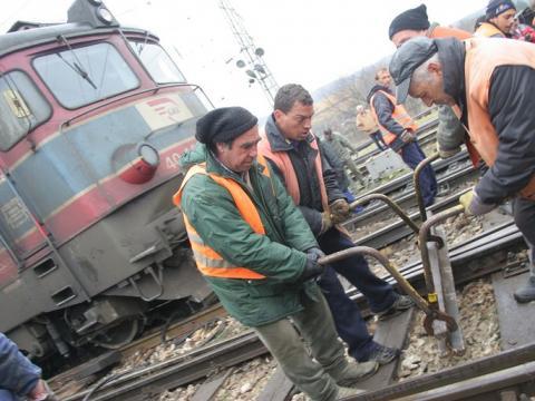 """Интервю с работник в БДЖ: """"Абсолютно целенасочена политика унищожава железниците"""""""