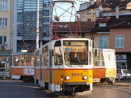 430x323
