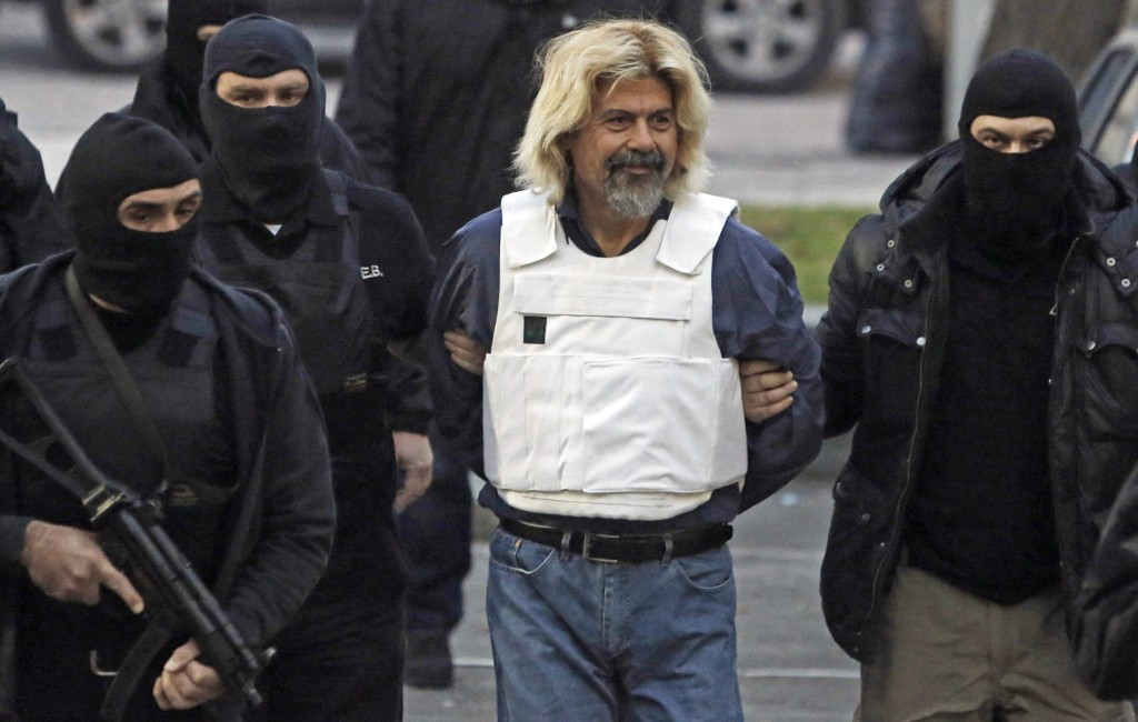 Convicted terrorist Xiros of terrorist organisation November 17 escorted to prosecutor's office