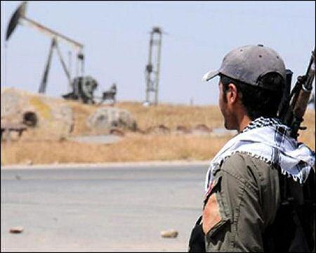 YPG-fighter-oil-in-Syrian-Kurdistan-photo-habermonitor