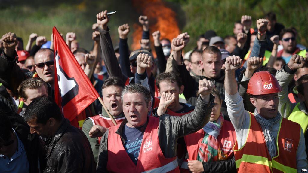 Синдикатът CGT отговаря на Оланд, декларирайки подкрепа за стачките.