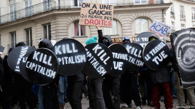Бележки на една сервитьорка от движението срещу Трудовия Закон във Франция