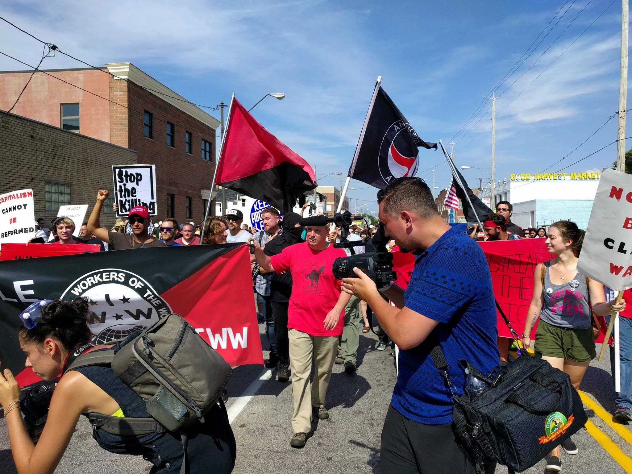 B Real на шествие на анархо-синдикатът IWW (Industrial Workers of the World) през лятото на 2016г.