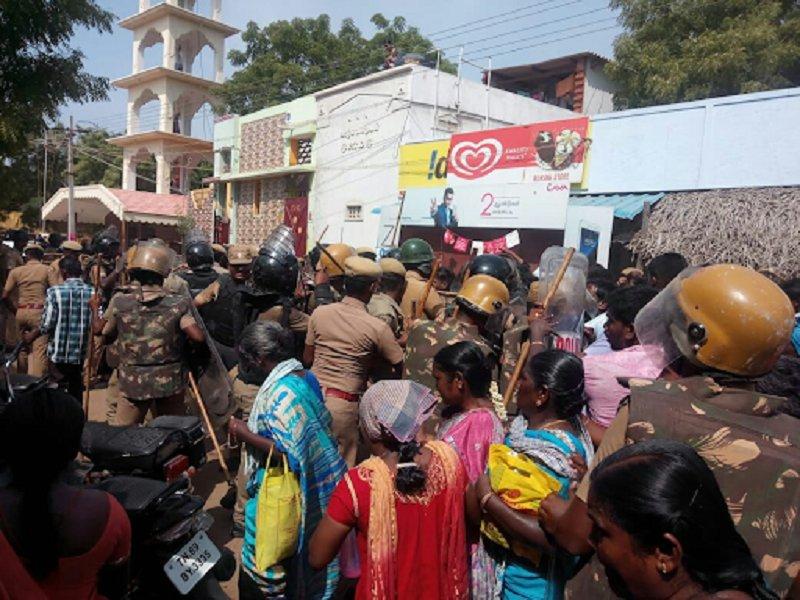 Полицията уби 10 души по време на екологични протести в Индия