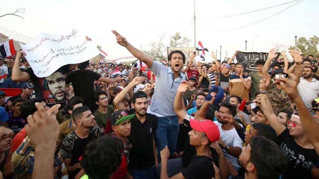 Протестите в Багдад и Южен Ирак продължават