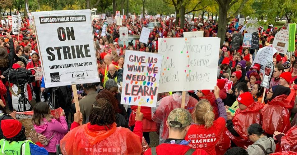 """""""Тепърва започваме"""" – заяви американска синдикалистка, докато стачната активност в страната достигна 35-годишен връх"""