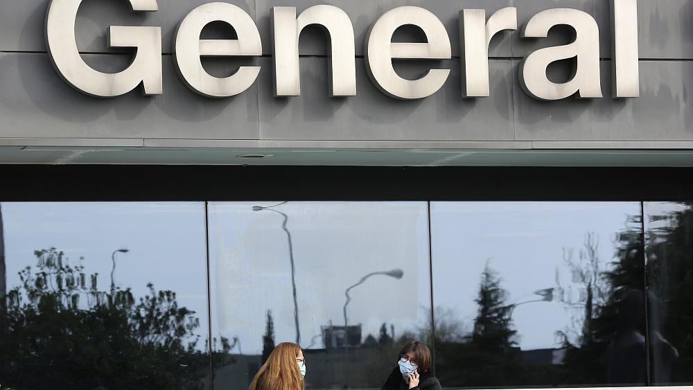 Испания национализира всички частни болници